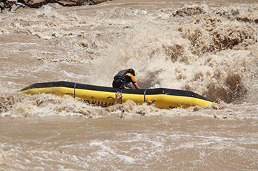Cataract Canyon High Water- Raft Flip Videos