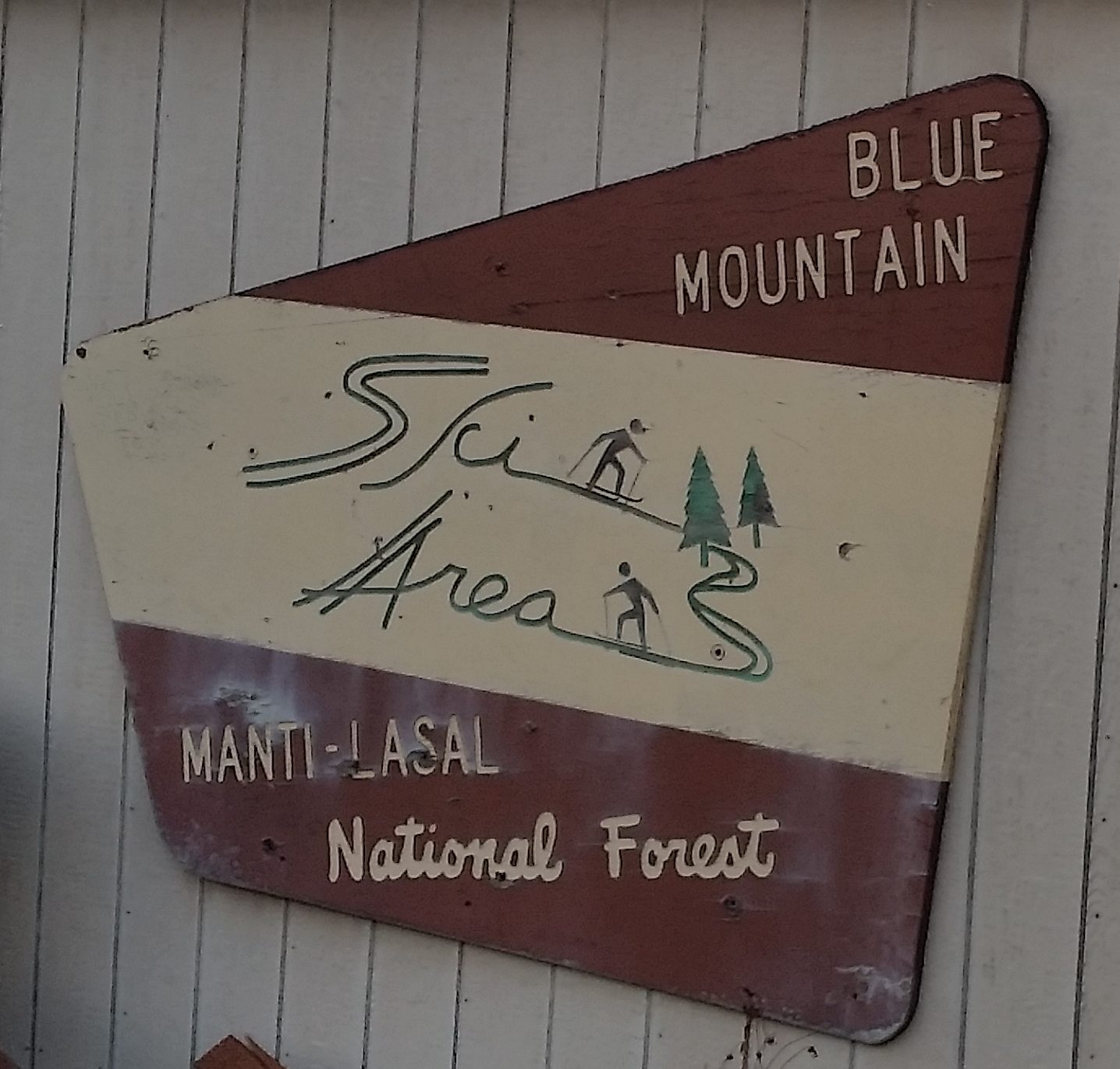 Blue Mountain Ski Area Sign